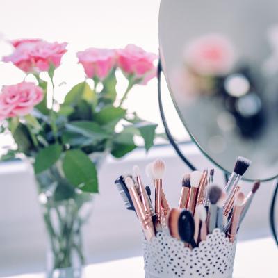 Makeup 2589040 1921